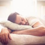 寝つき最悪だった男が最高の睡眠を手に入れた方法。